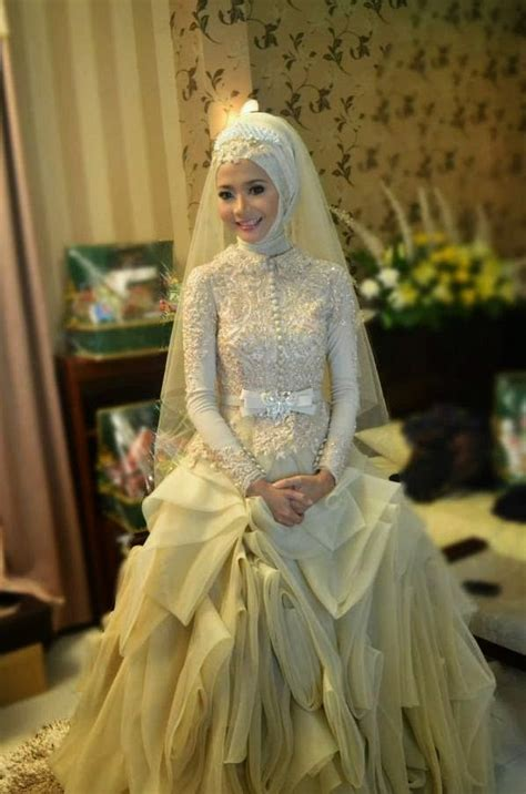 contoh kebaya pengantin muslimah model terbaru