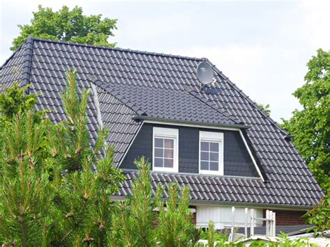 Terrassentueren Erweitern Den Wohnraum Und Lassen Licht Ins Haus by Dachgaube Nachtr 228 Glich Einbauen Lassen Bringt Platz Und