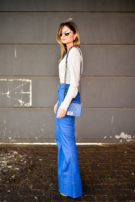 fashion trend  everyones wearing flared jeans