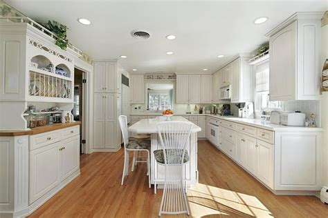 light wood floors with white cabinets 53 charming kitchens with light wood floors page 2 of 11 354 | 53 Charming Kitchens With Light Wood Floors 7