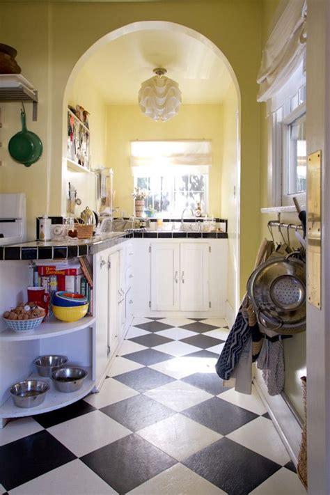 Blythe's Bohemian West Hollywood Cottage | The floor