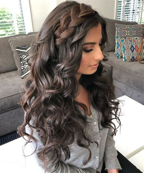 perfect ash blonde long thick wavy hairstyles 2019 for