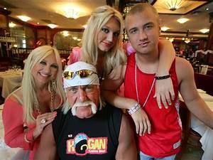 Hulk Hogan's 10 best pop culture moments | SI.com