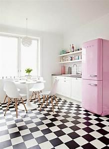 Une table tulipe pour votre interieur moderne for Deco cuisine avec chaise plastique