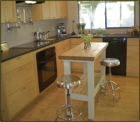 Mobile Kitchen Island With Seating - best 25 small kitchen with island ideas on pinterest