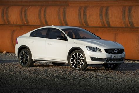 review  volvo  cross country  lifted sedan