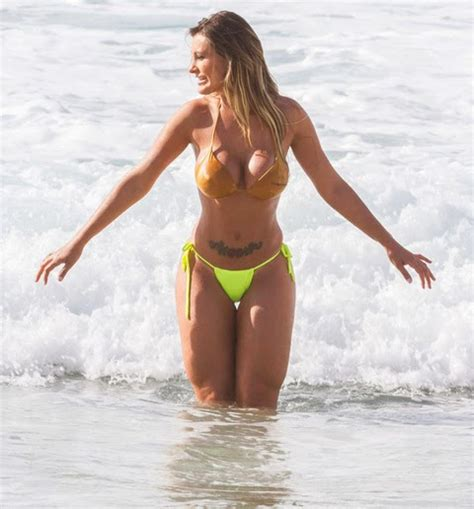 Beauty on the fly  Andressa Urach sexy butt brazilian bikini