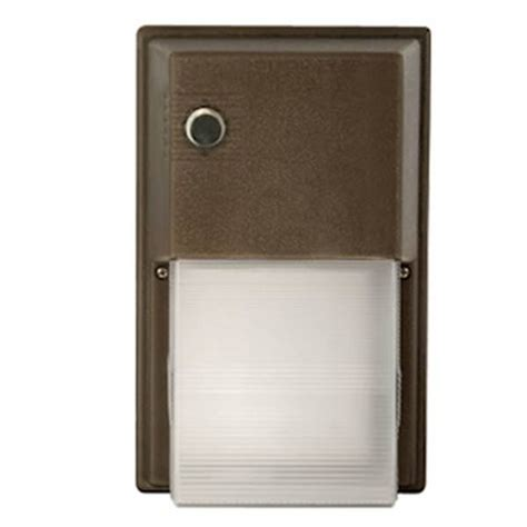 hubbell 03003 18 watt 120 volt bronze 12 led wall pack