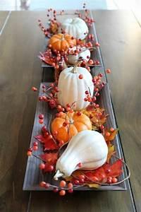 Einfache Herbstdeko Tisch : herbstdeko ideen mit naturmaterialien 60 kreative ideen ~ Markanthonyermac.com Haus und Dekorationen
