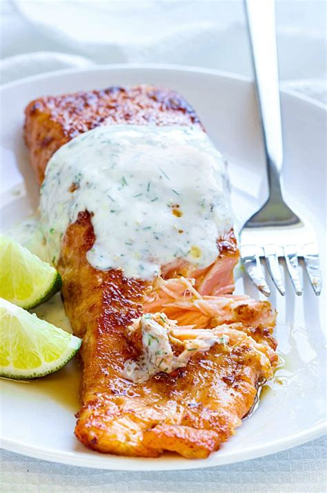 We've rounded up our favorite seafood recipes to help you create the perfect holiday menu for your guests this a seafood holiday meal might just become a tradition you'll return to year after year. Christmas Fish Recipes — Seafood Christmas Dinner — Eatwell101