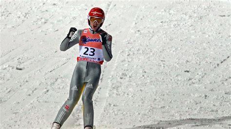 Fürs erste geben die ärzte entwarnung, doch die situation bleibt ernst. Nach Abbruch: Freitag mit Bronze bei Skiflug-WM - Tande ...