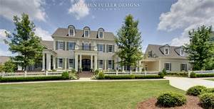 A Classic American House in North Atlanta - Traditional