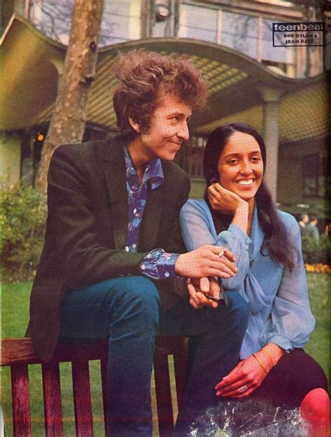 bob dylan cumple  asi fue su historia de amor  joan baez