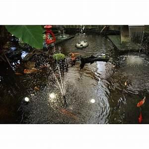 Pompe Bassin Solaire Jardiland : pompe solaire de bassin 750 litre par heure aliment e par l 39 nergie solaire ~ Dallasstarsshop.com Idées de Décoration