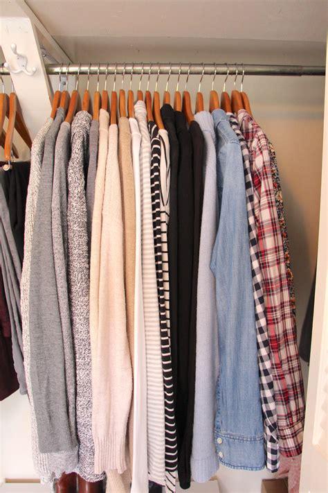 piece winter capsule wardrobe classy  trendy