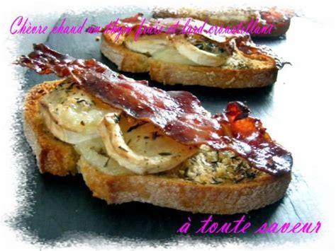 tartine de chevre chaud au thym frais  lard croustillant
