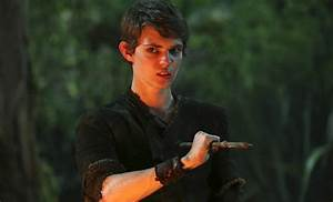 'Once Upon A Time' 100th Episode Brings Back Robbie Kay ...