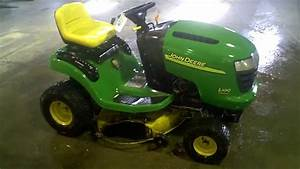 Lot 1283a 2003 John Deere L100 Lawn Tractor