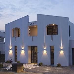 Fassadenbeleuchtung Außen Led : fassadenbeleuchtung hausbeleuchtung garagenbeleuchtung schrack technik ~ Markanthonyermac.com Haus und Dekorationen