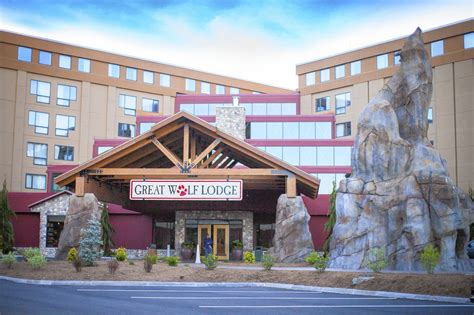 Great Wolf Resorts Names Murray Hennessy Ceo Hotel