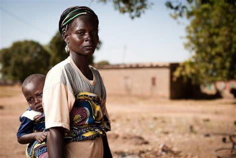 يتوفر 5,596 تعليق حول موارد الرحلات المتوفرة في بوركينا فاسو، يعد tripadvisor مصدر المعلومات المتوفرة حول بوركينا فاسو. اللباس التقليدي بوركينا فاسو متواضع بعصر قديم وحلة جديدة