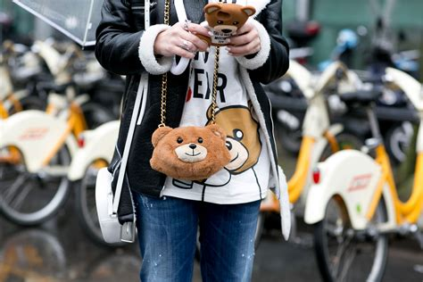 street style trend  quirky bags
