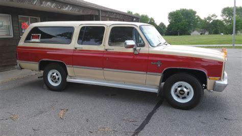 1984 Chevrolet Suburban 2wd C20 Silverado