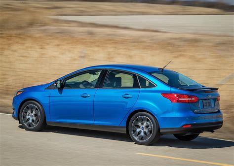 FORD Focus Sedan specs & photos - 2014, 2015, 2016, 2017 ...