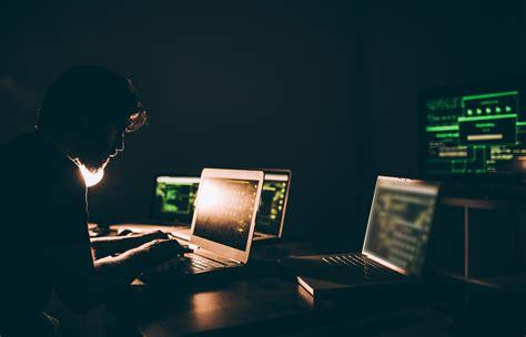 types  identity theft  fraud experian