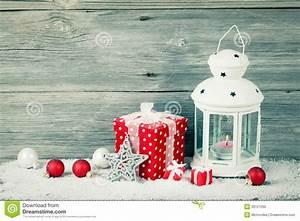 Lanterne De Noel : lanterne br lante dans la neige avec la d coration de no l photo libre de droits image 35121055 ~ Teatrodelosmanantiales.com Idées de Décoration