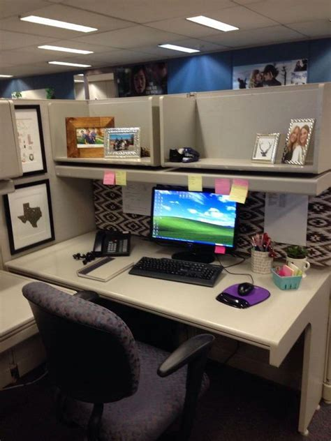 Ideas Your Office Cubicle by Pin By Teee Geee On Workspaces Bookcases Office Cubicle