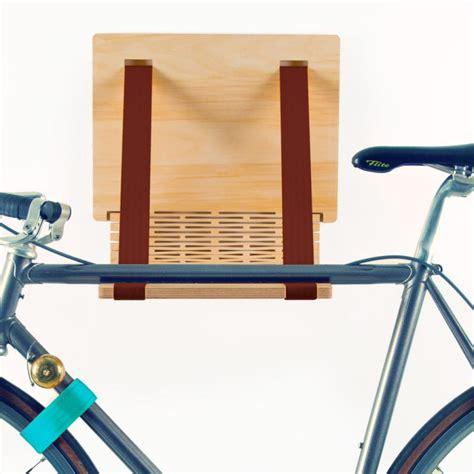 fahrrad wandhalterung holz fahrrad wandhalterung copenhagen hochwertige holz st 228 be um das fahrrad an der wand zu