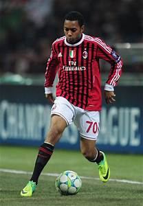 Robinho in AC Milan v Arsenal FC - UEFA Champions League ...