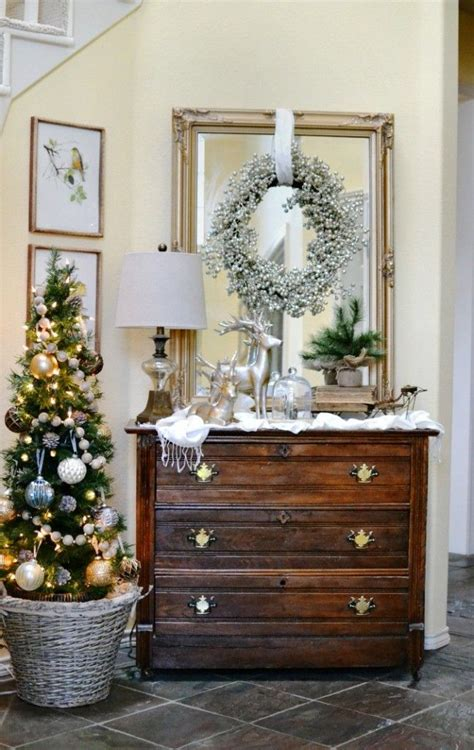 glam ish christmas entry decor foyerentry  ideas