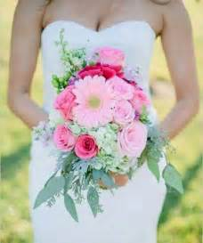 summer wedding flowers pretty summer wedding bouquets