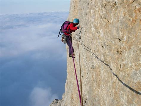 Rock Climbing In The Peak District, Climbing Courses
