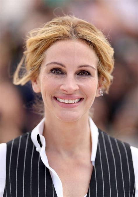 julia roberts money monster photocall  cannes film