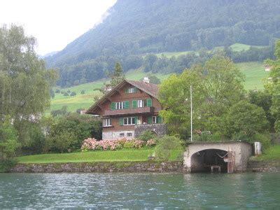 Haus Kaufen Schweiz Seeanstoss by Ferien In Einem Chalet Direkt Am Vierwaldst 228 Ttersee
