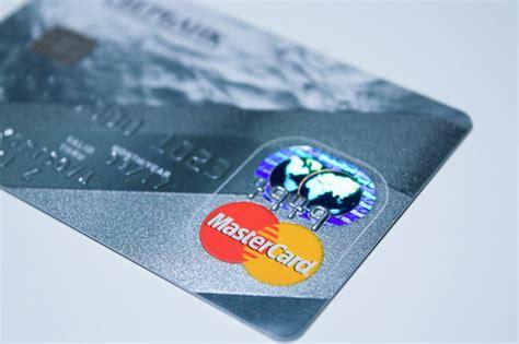 Kādi kredītu veidi internetā ir pieejami mūsdienu cilvēkam? | VIASMS.LV