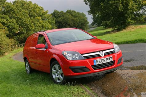 Vauxhall Astra van review (2006-2012)   Parkers