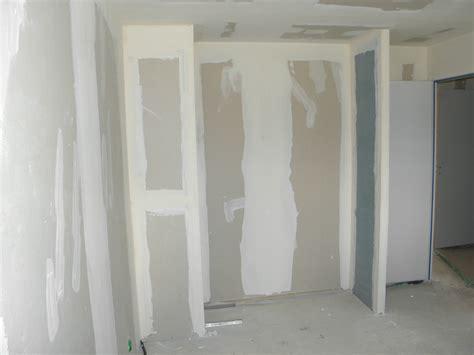 comment faire un placard dans une chambre faire un dressing dans une chambre ralisation par ensoul