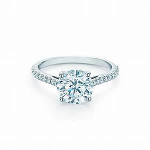 Tiffany Ring Verlobung : tiffany novo round brilliant engagement ring with pav set diamond band in platinum fashion ~ A.2002-acura-tl-radio.info Haus und Dekorationen