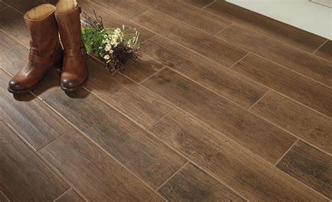 Wood Look Laminate Flooring by Daltile S Willow Bend Inspires Spaces 2017 03 07 Floor