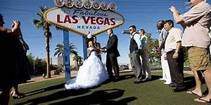 weddings at the las vegas sign With las vegas wedding company