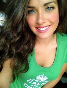 Dark hair light eyes for the win : theCHIVE