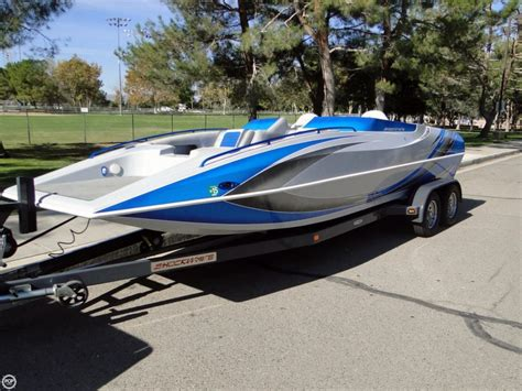 22 Deck Boat by 2009 Used Shockwave 22 Deck Boat Deck Boat For Sale