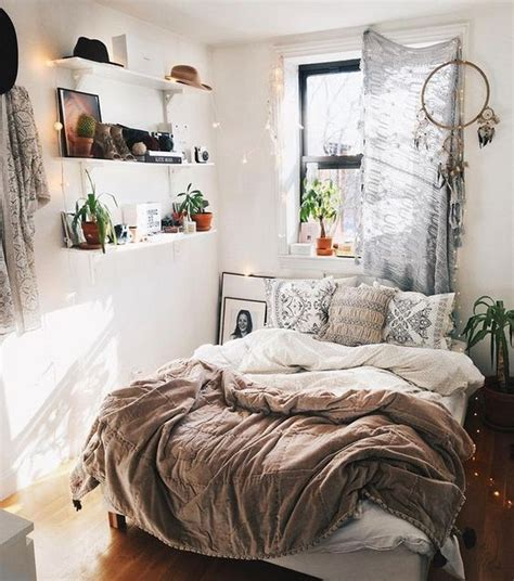 Minimalist Bedroom Ideas For Small Rooms by 21 Eclectic Minimalist Decorating Ideas For Your Bedroom