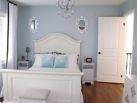 blue and tan bedroom white navy and white bedroom