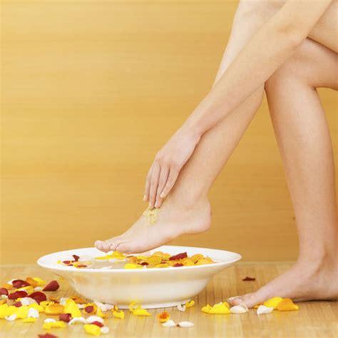วิธีแก้ปัญหาเท้ามีกลิ่นเหม็นอับ - วิธี และ เคล็ดลับ ในทุกๆเรื่อง ที่จะทำให้ชีวิตของคุณง่ายขึ้น