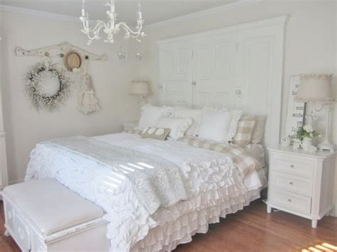 décoration de la chambre romantique 55 idées shabby chic
